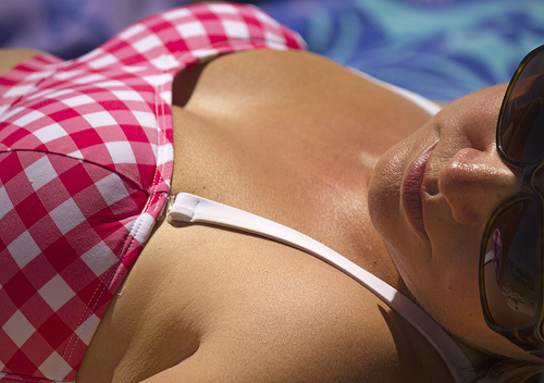 Three reasons to get your mum a spray tan for Mother's Day